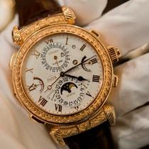 [Video] 100.000 giờ chế tác đồng hồ 2,5 triệu USD