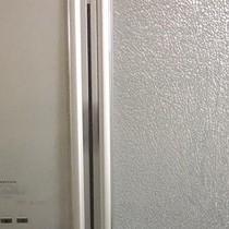 """Tủ lạnh phát nổ: Nguy hiểm khó lường, """"bom"""" nơi góc bếp"""