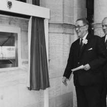 Tròn 50 năm ATM ra đời