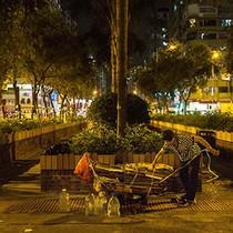 """Nông dân Trung Quốc """"vỡ mộng"""" đổi đời ở Hong Kong"""