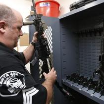 """Mỹ bị lừa bán lô vũ khí triệu USD cho sở cảnh sát """"ma"""""""