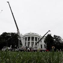 [Video] Nhà Trắng đại tu trong thời gian tổng thống đi nghỉ