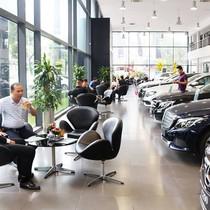 Euro Auto bị khởi tố, Mercedes-Benz lên ngôi