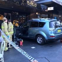 Ôtô lao vào đám đông ở Australia, 7 người bị thương