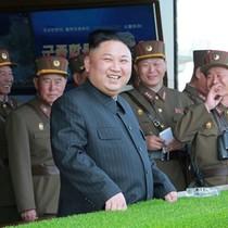 """Kim Jong-un """"bí mật thăm đơn vị sát biên giới với Hàn Quốc"""""""