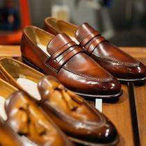 Sau 20 năm gia công cho Ý, Nhật, anh thợ giày miền Tây quyết tâm khởi nghiệp