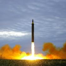 Triều Tiên lần đầu xác nhận phóng tên lửa qua Nhật Bản
