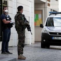 Pháp bắt hai người, chặn âm mưu khủng bố
