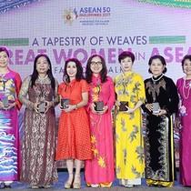"""Phó chủ tịch SeABank được hội đồng doanh nhân nữ Asean vinh danh """"Doanh nhân nữ tiêu biểu ASEAN"""""""