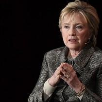 Hillary Clinton muốn tiếp tục sự nghiệp chính trị vì lo đất nước 'bị đe dọa'