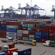 """Cán bộ hải quan TP. HCM bị bắt vì hơn 200 container """"biến mất"""""""