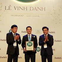 Tập đoàn Bảo Việt dẫn đầu lĩnh vực bảo hiểm 5 năm liên tiếp trong Forbes 50
