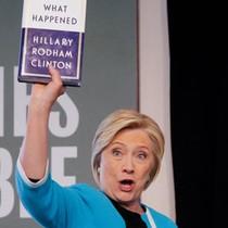Sách kể về bầu cử của bà Hillary lập kỷ lục bán chạy