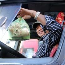 Dàn ôtô chặn ngang BOT tuyến tránh Biên Hòa, quốc lộ 1 tê liệt