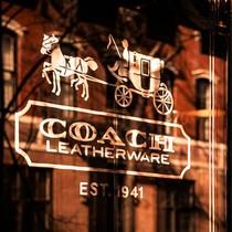 Thương hiệu thời trang xa xỉ Coach đổi tên thành Tapestry