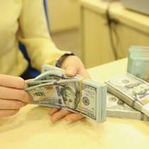 """Hàng loạt ngân hàng """"ráo riết"""" thu giữ tài sản bảo đảm để siết nợ"""