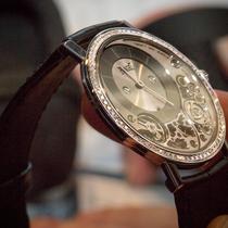 """Kích thước """"không tưởng"""" của những chiếc đồng hồ mỏng nhất thế giới"""