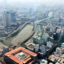 """Bờ sông Sài Gòn """"quá tải"""" bởi dự án?"""