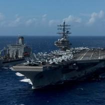 Hai tàu sân bay Mỹ trực chiến ở bán đảo Triều Tiên đón Tổng thống Trump