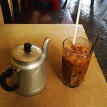 """Quán cà phê năm """"không"""" hơn ba thập kỷ đắt khách ở Sài Gòn"""