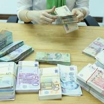 """""""Con hổ châu Á"""" nhìn từ chính sách tiền tệ"""