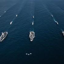 Cơn bão chờ đón các hạm đội tàu chiến Mỹ