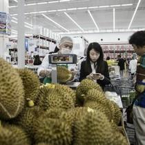 """Người Trung Quốc """"cuồng"""" sầu riêng Malaysia"""