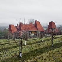 Đoạt giải Nhà đẹp nhất năm, biệt thự ở Anh vẫn bị chê tơi tả