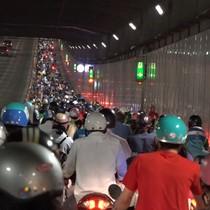 [Video] Kẹt xe liên tục, TP. HCM đổi phương án lưu thông qua hầm Thủ Thiêm