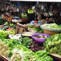 """Thị trường 24h: """"Chóng mặt"""" với độ tăng giá của thực phẩm Tết"""