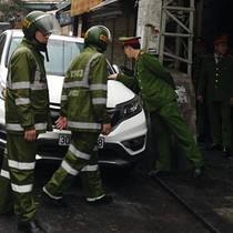 [Video] Hàng loạt ôtô bị cẩu vì chiếm vỉa hè ở quận Hoàn Kiếm