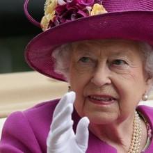Thu nhập của nữ hoàng Anh tăng gần gấp đôi
