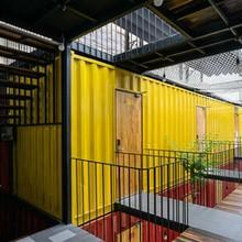 """""""Hô biến"""" thùng container thành khách sạn đẹp long lanh giữa Nha Trang"""