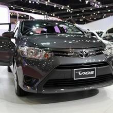 Ra sức giảm giá, doanh số ô tô tháng 11/2017 vẫn giảm 13% so với 2016