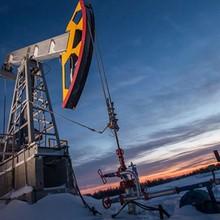 Giá dầu lùi khỏi đỉnh 2 năm rưỡi sau tin rò rỉ đường dẫn ở Biển Bắc