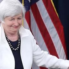 Fed tăng lãi suất, chứng khoán Mỹ lên đỉnh mới