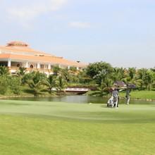 <span class='bizdaily'>BizDAILY</span> : Bộ trưởng Nguyễn Chí Dũng nói gì về việc sân golf trong sân bay?