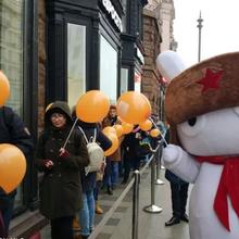 Xiaomi khai trương cửa hàng đầu tiên tại Nga, đông vui nhộn nhịp chẳng kém gì Apple Store