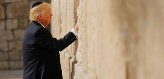 Ông Donald Trump từng yêu cầu tình báo bác tin về liên hệ với Nga