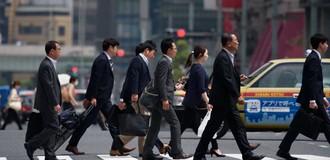 Người Nhật bắt đầu hoài nghi: Làm việc đến kiệt sức để được gì?