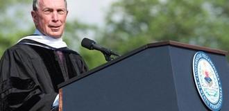 Tỷ phú Bloomberg: Đừng chọn việc theo lương