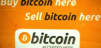 """""""Bitcoin sắp mất một nửa giá trị, rơi vào vùng điều chỉnh"""""""