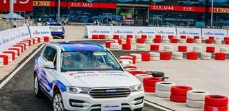 """Microsoft """"bắt tay"""" đối thủ Trung Quốc trong cuộc đua xe tự lái"""