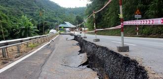 Quốc lộ nghìn tỷ nứt toác kéo dài: Loay hoay tìm giải pháp