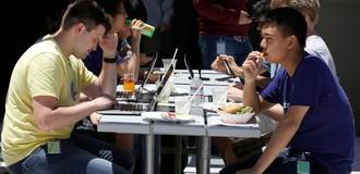 Facebook trả lương cho nhân viên không đủ sống