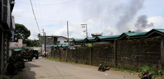 Philippines điều quân đội oanh kích lực lượng khủng bố thân IS