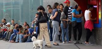 Standard & Poor's tiếp tục báo động khả năng Venezuela vỡ nợ