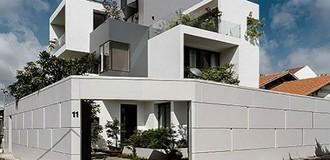 Ngắm nhìn ngôi nhà hình hộp xếp chồng giữa Sài Gòn
