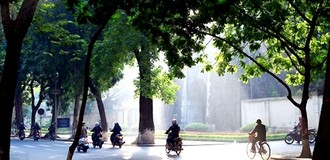 Bắc Bộ hửng nắng, nhiệt độ tăng, Nam Bộ mưa dông
