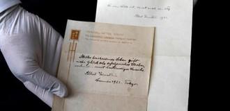 """""""Bí quyết sống hạnh phúc"""" của Einstein được bán đấu giá"""